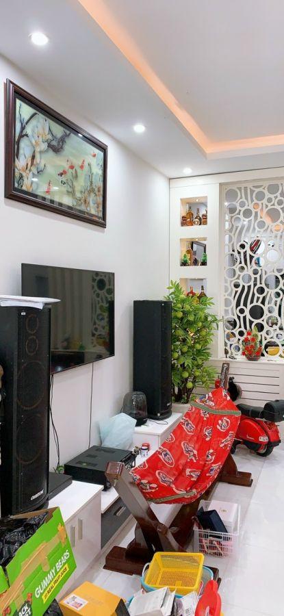 Cần bán gấp nhà 1 trệt 1 lầu đường Trần Bạch Đằng (nhà đẹp), Khu đô thị Phú Cường, Rạch Giá, Kiên Giang